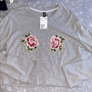 Grey Floral Long Sleeve top small